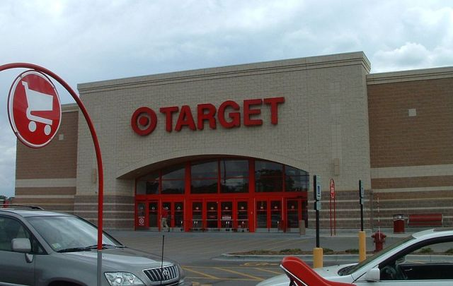 800px-Illinois_Target_Store
